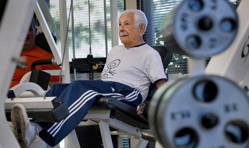 le sommeil - centenaire - longévité - repos - inaction - sieste - assoupissement - somnolence