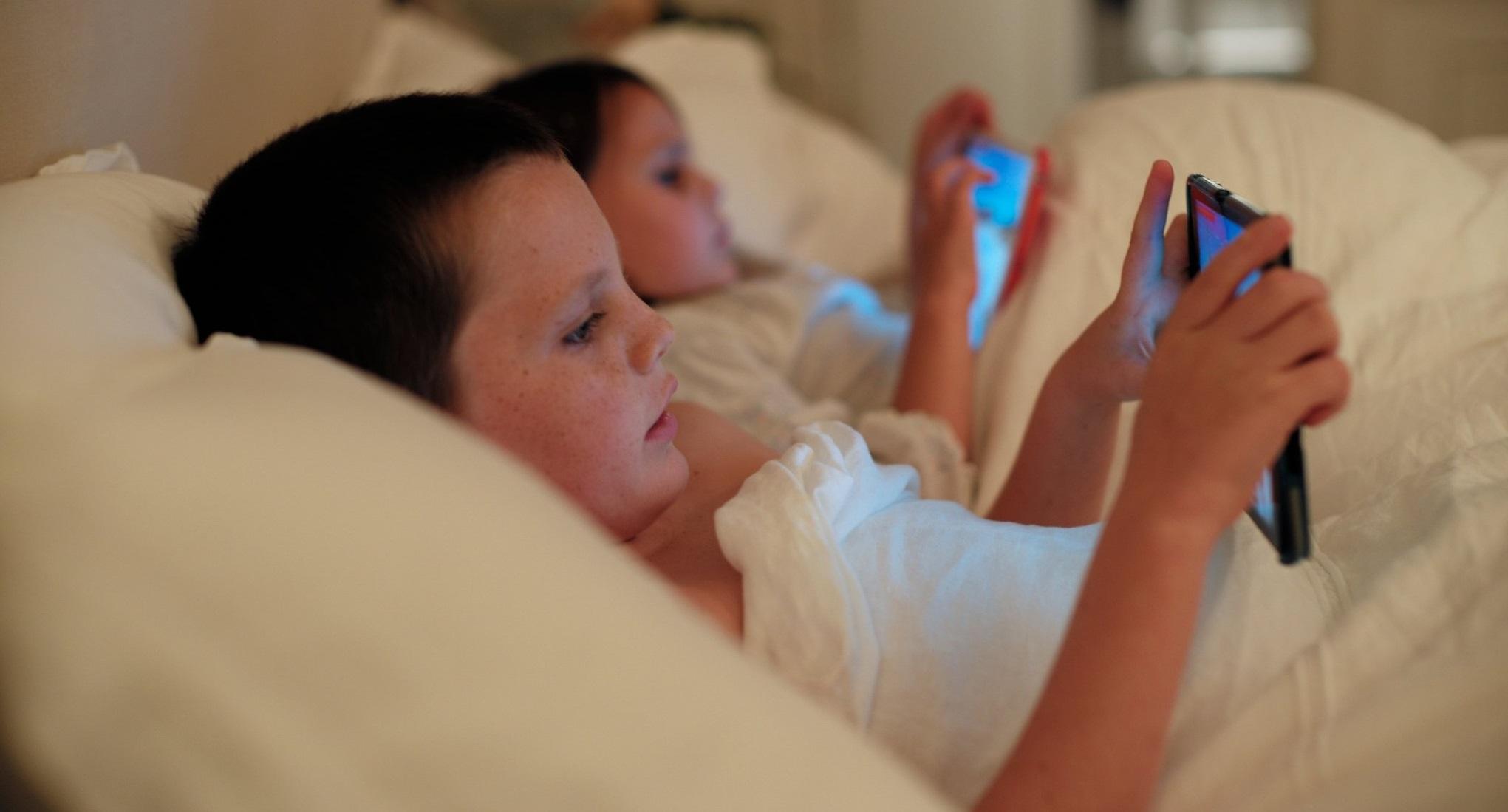 le sommeil - enfant - écran - repos - inaction - sieste - assoupissement - somnolence