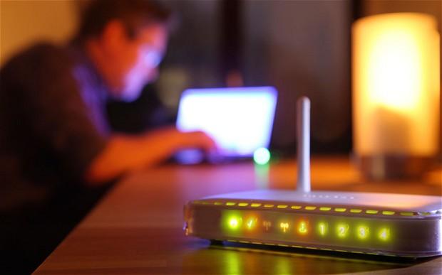 ondes electromagnetiques - routeur - wifi - champ electrique - champ magnetique - rayonnement - electricite - internet